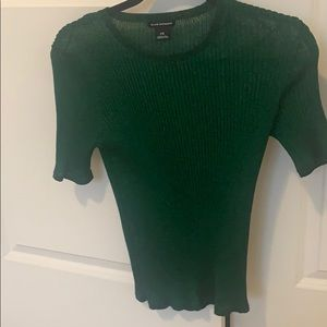 Beautiful green top, extremely light weight